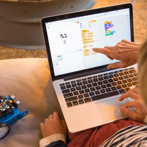 Scratch y App inventor: ¿Por qué los niños deberían comenzar por la programación en bloques?